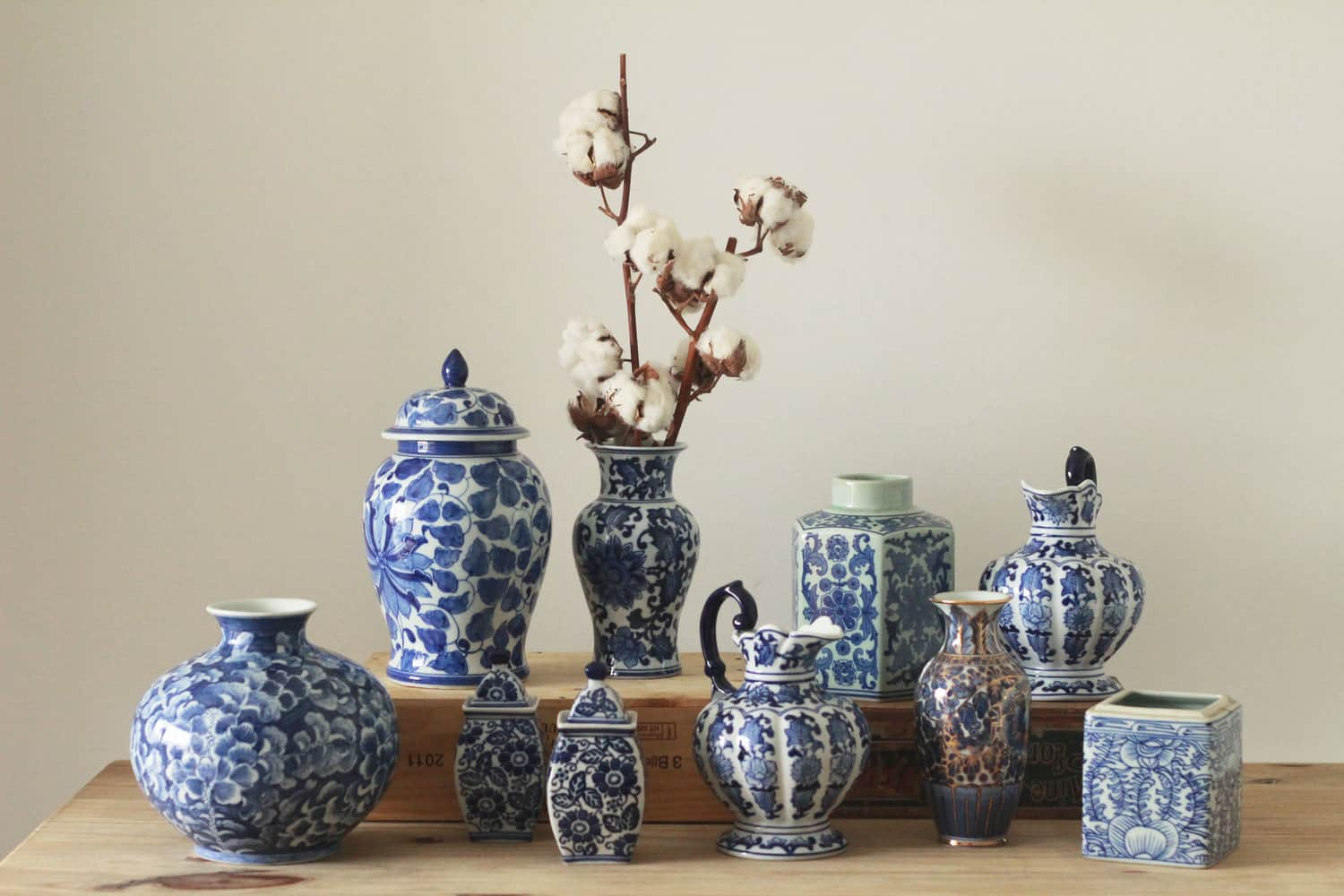 Display of various different types of porcelain such as flower vases and water jugs